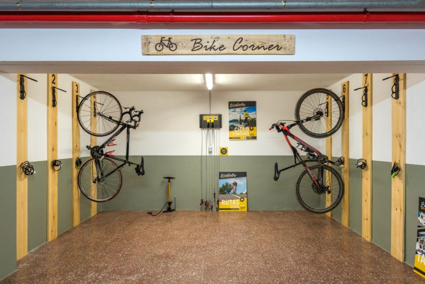 Bike corner 3