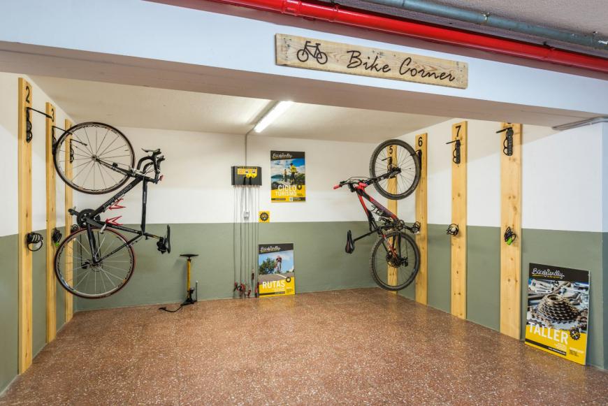 Bike corner 1