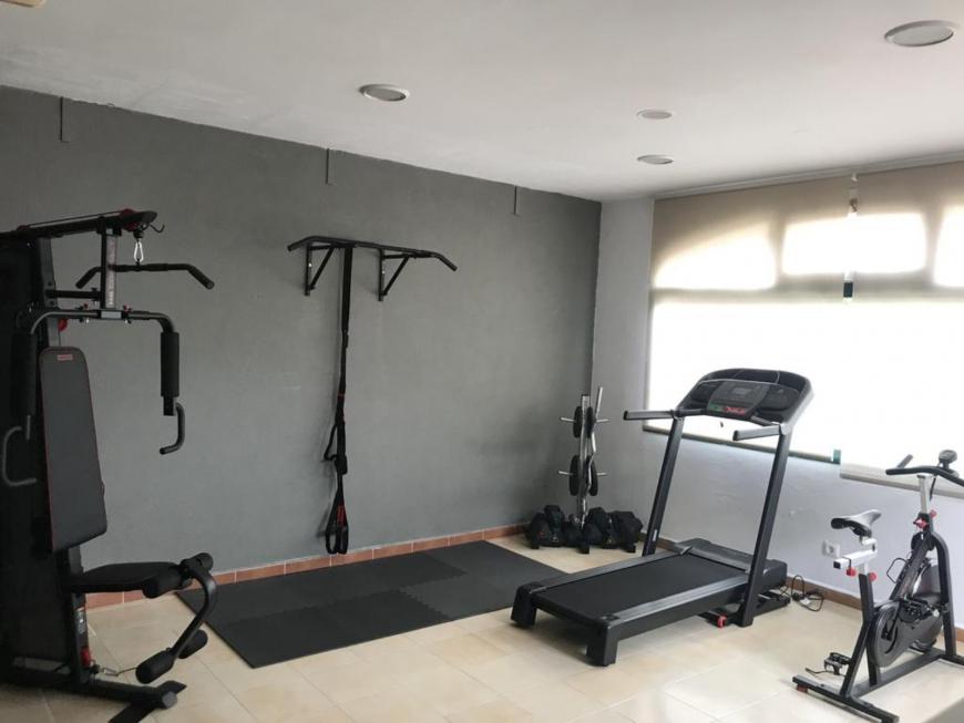 189284634 - Gym