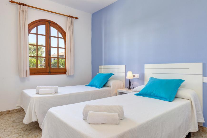 Apartamentos_Girasoles_2.jpg