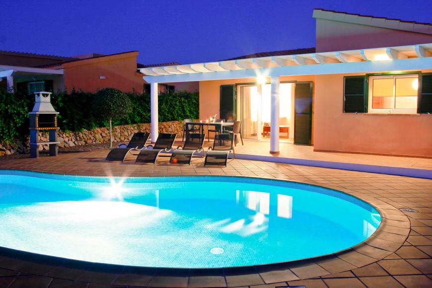 32 alquiler villas menorca sur tres dormitorios vista mar son bou
