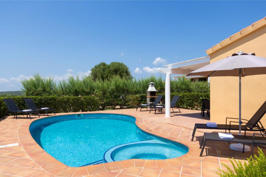 1 (Menorca Sur 14B)